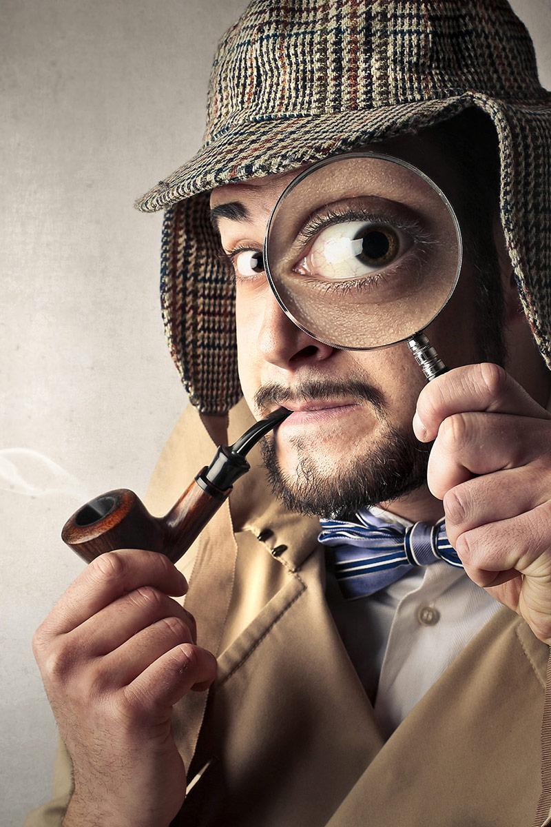 actor dressed as sherlock holmes